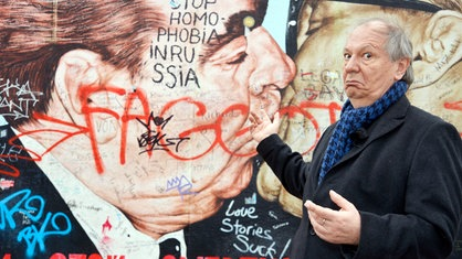 Wilfried Schmickler an der Berliner East Side Gallery