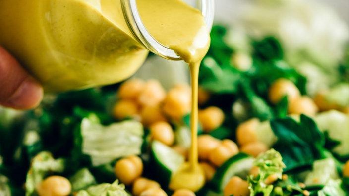 Salatdressing In Der Geschmacksprobe Servicezeit Sendungen A Z