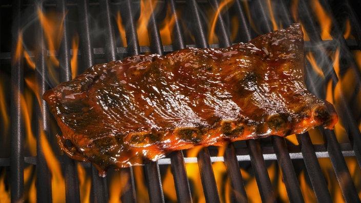Spareribs Grillen Gasgrill Dauer : Spare ribs mit bbq soße und u201ecrunchyu201c kartoffelstampf rezepte