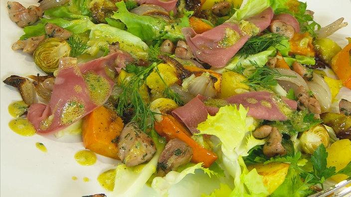 Pfälzer Kalbszunge und Kalbsbries auf winterlichem Salat ...