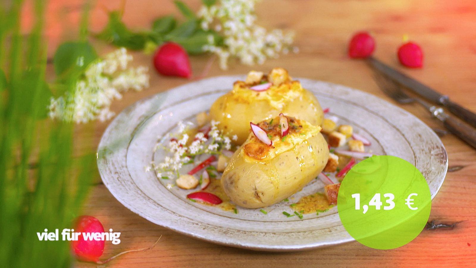 Gefüllte Obazda-Kartoffeln mit Radieschen und Croutons - Rezepte - Rezepte - Verbraucher - WDR