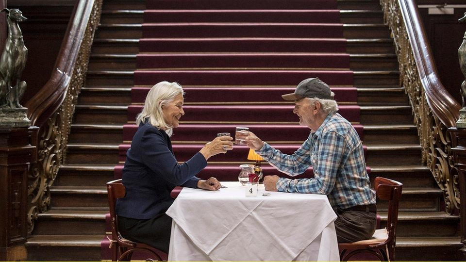 ARD Mediathek altersglühen incontri di velocità für Senioren CEPR Comitato di incontri